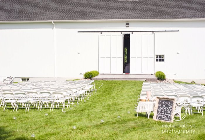 avon_century_barn_wedding_0016